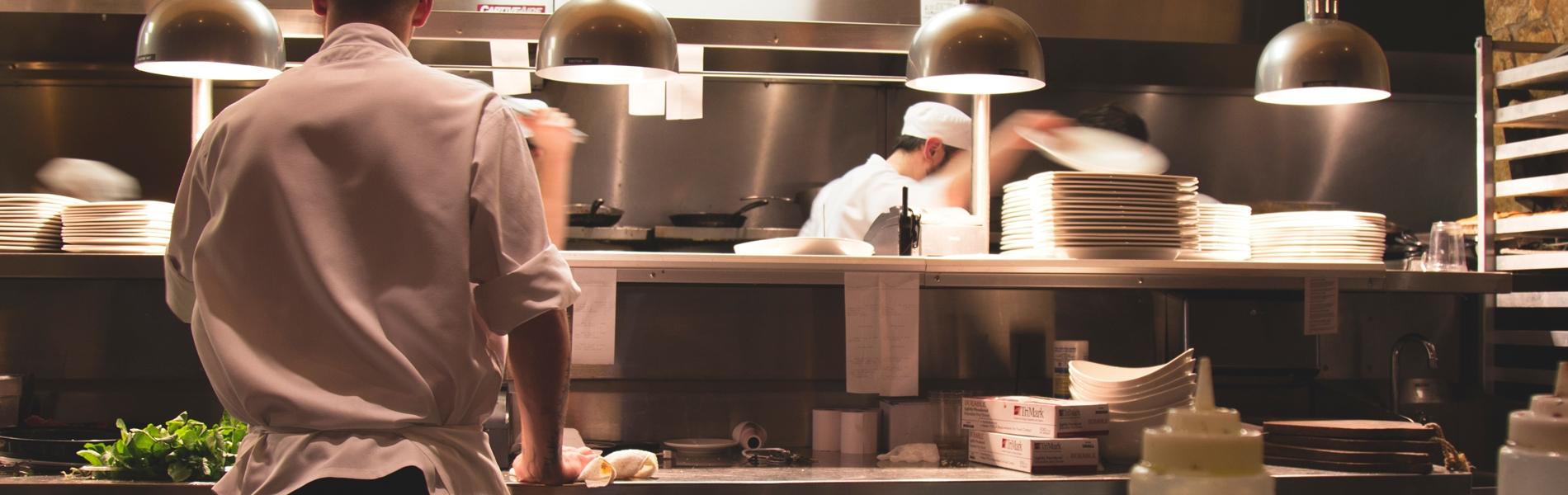 調理場とコックさん